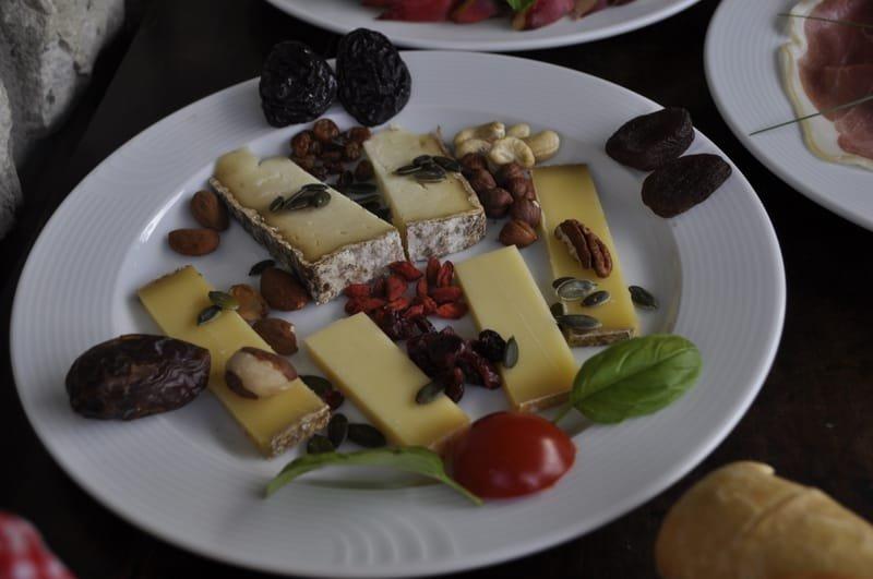 Les assiettes de fromages de nos montagnes.