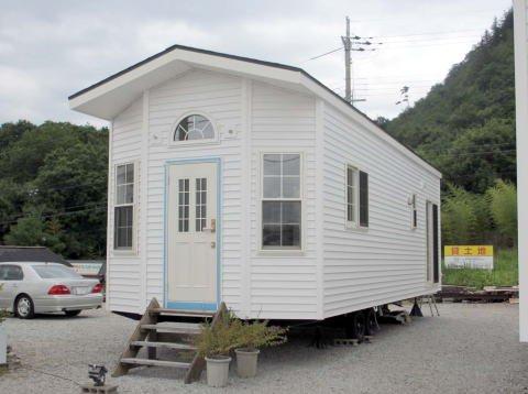 住居タイプトレーラーハウス(日本製)10m×3.5m