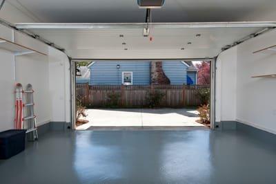 Guidelines for Selecting Garage Door Repair Services