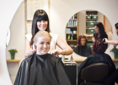 Guidelines for Selecting the Right Hair Cutting School in Florida