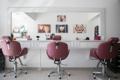 Things You Ought to Consider When You are Looking for a Cosmetology School