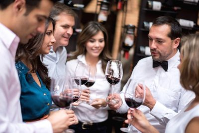 Necessary Factors to Consider When Hiring a Winery and Brewery Tour Company