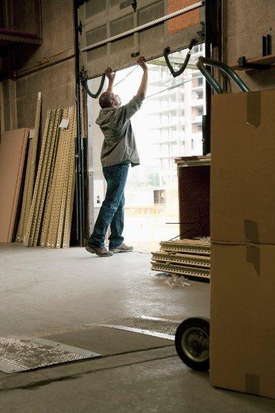 Tips on Finding the Best Garage Storage System Supplier