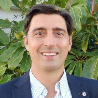 Dr. Vicente J. Llorent