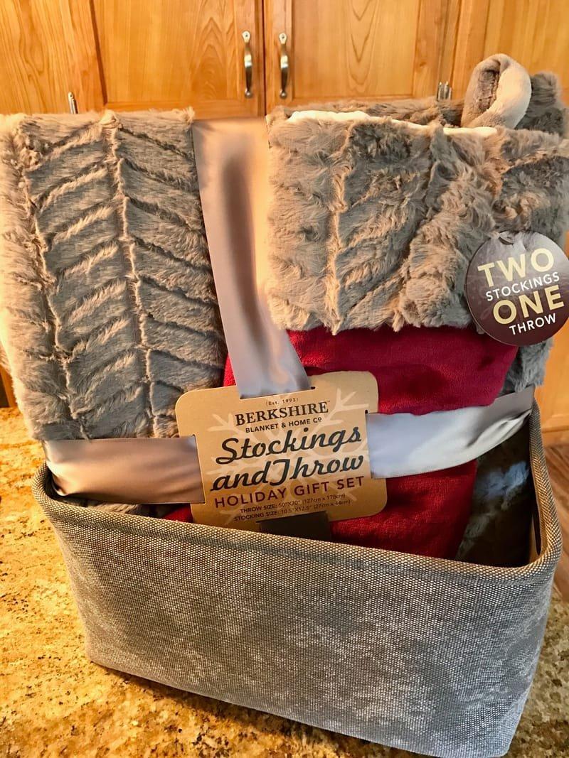 Stocking & Throw
